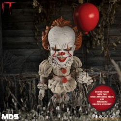 « Il » est revenu 2017 figurine MDS Deluxe Pennywise 15 cm