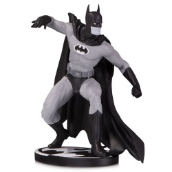 Batman Black & White statuette Batman by Gene Colan 17 cm