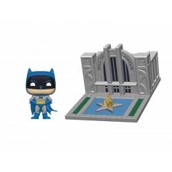 Batman 80th POP! Town Vinyl figurine Batman & Hall of Justice 9 cm