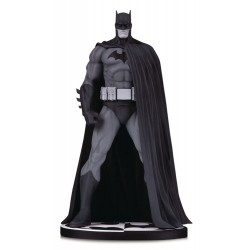 Batman Black & White statuette Batman (Version 3) by Jim Lee 18 cm