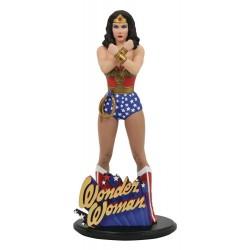 DC Comic Gallery statuette PVC Linda Carter Wonder Woman 23 cm