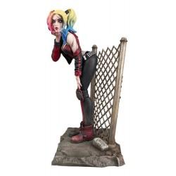 DC Comic Gallery statuette PVC DCeased Harley Quinn 20 cm
